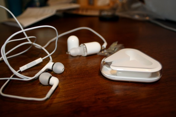 New Apple In-Ear Headphones